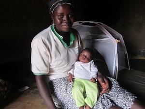 Kusumi and her new baby girl, Fatima - Manguli