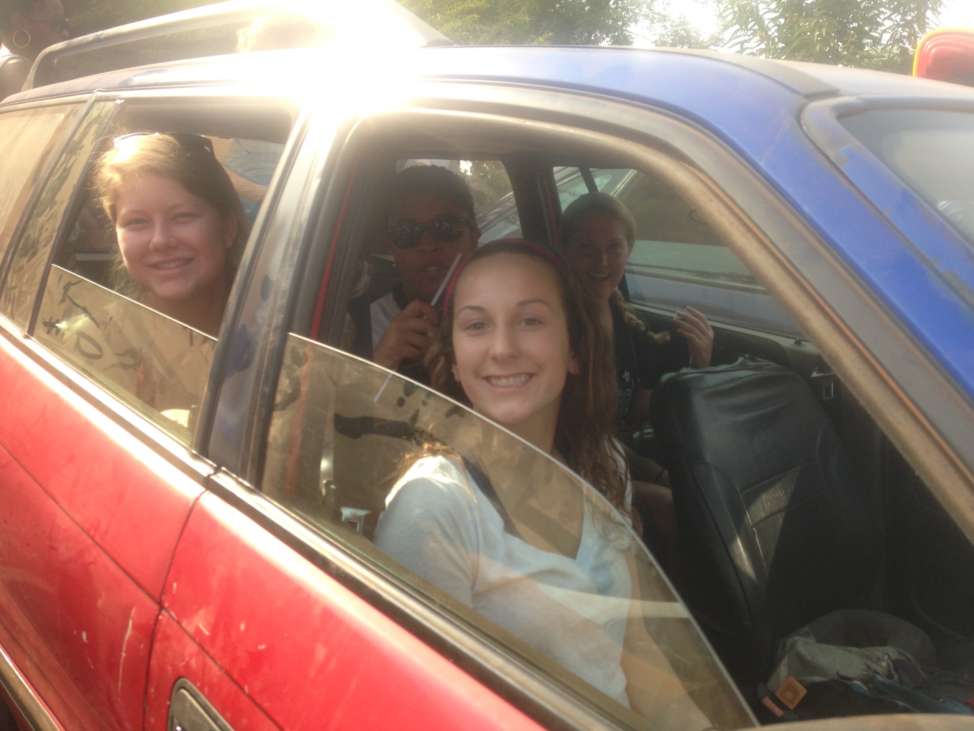 Kallie, Danielle, Brittany, and MJ head into Tamale for the scavenger hunt!